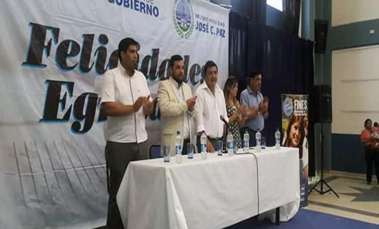 FINES II DE JOSÉ C. PAZ CULMINÓ EL AÑO LECTIVO CON GRADUACIONES