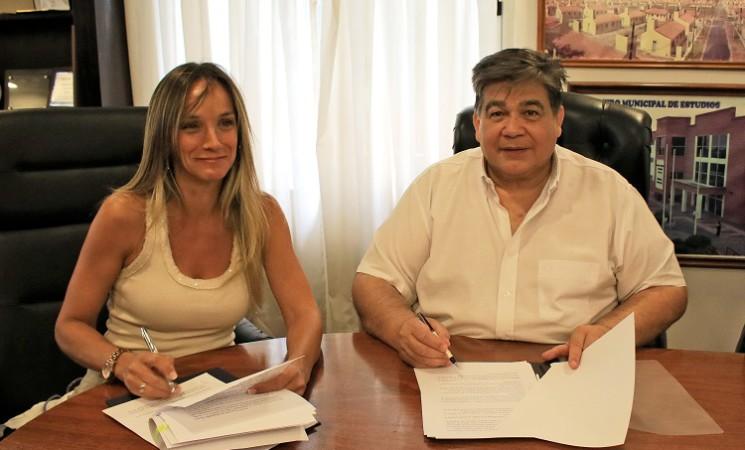 ISHII Y GALMARINI FIRMARON UN CONVENIO PARA DAR AGUA Y CLOACAS A JOSÉ C. PAZ